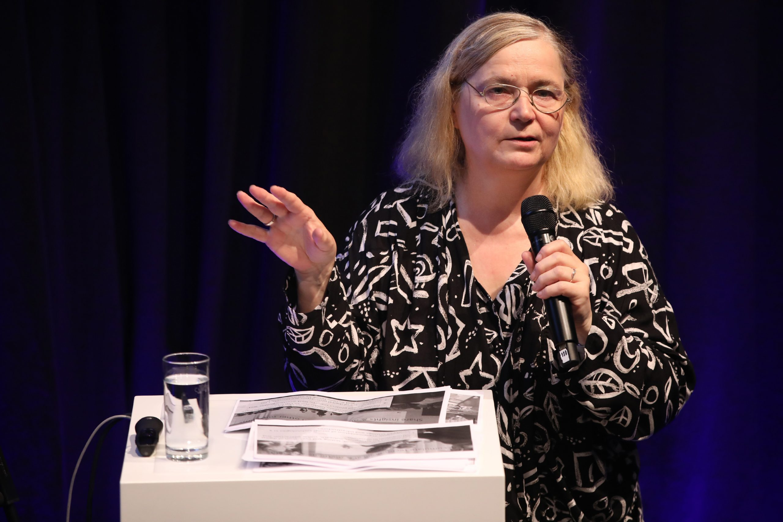 Immersive Showroom, How can digital tools be used to improve the visitor experience in museums? Prof. Monika Hagedorn-Saupe, Director museum4punkt0